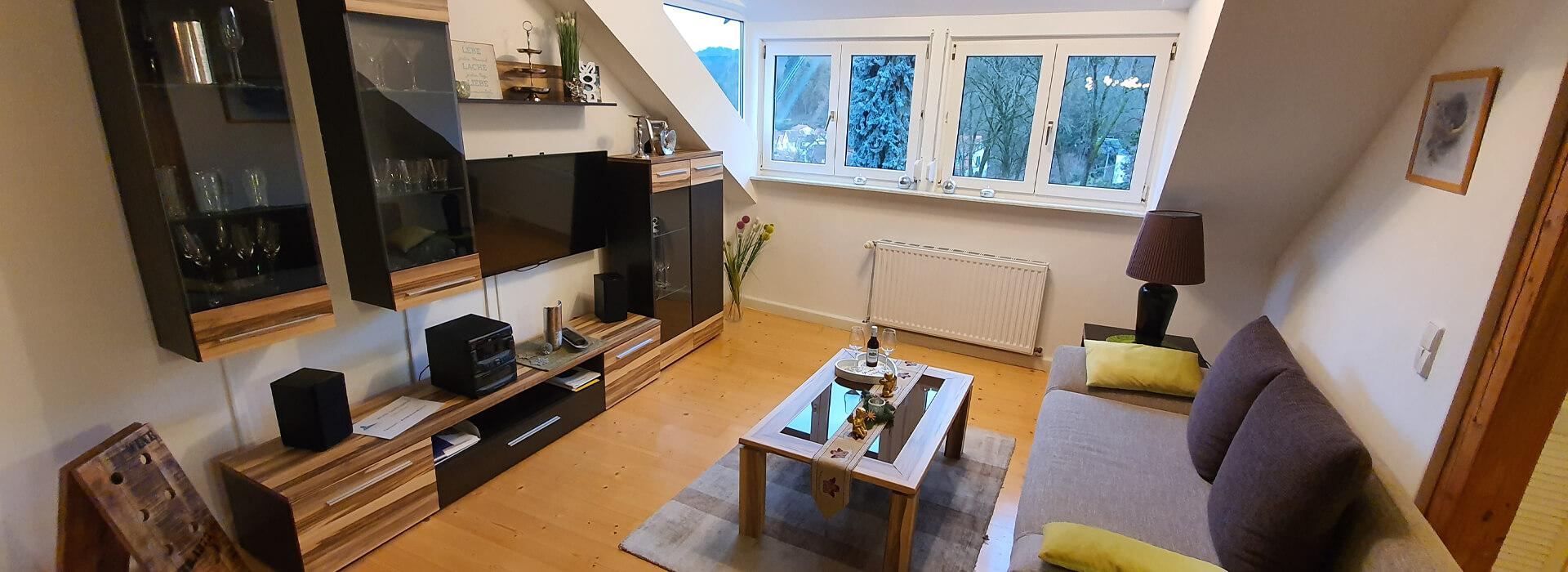 dg-wohnzimmer-fewoamblauenhut