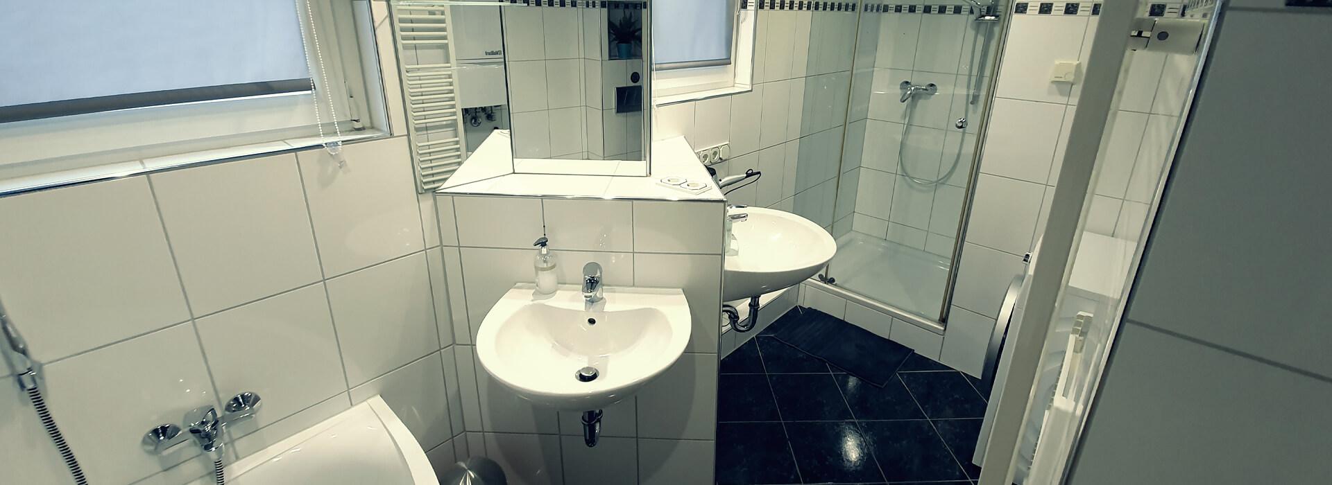 og-badezimmer-fewoamblauenhut